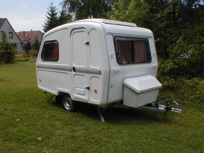 neue wohnwagen kleiner mini wohnwagen 750 kg. Black Bedroom Furniture Sets. Home Design Ideas