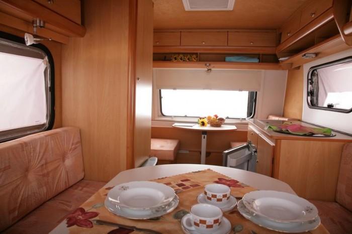kleiner wohnanh nger mini campingwagen schutzdach sonnensegel markisen. Black Bedroom Furniture Sets. Home Design Ideas